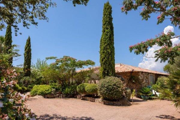palombaggia-location-villa-avec-piscine-2